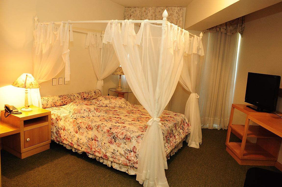 Acomodações Suite Romântica Park Hotel Morotin Foto 02