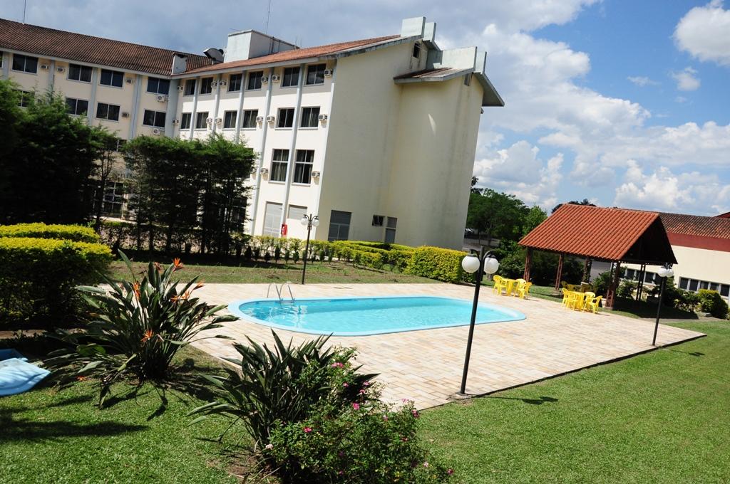 Piscina Park Hotel Morotin